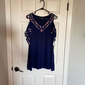 Nwt embroidery detailed dress